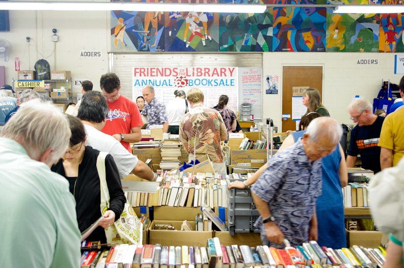 Friends of the Library of Hawaii: Annual McKinley Booksale