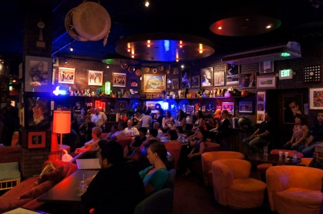 Inside Jazz Minds, Honolulu. How a jazz club should be.