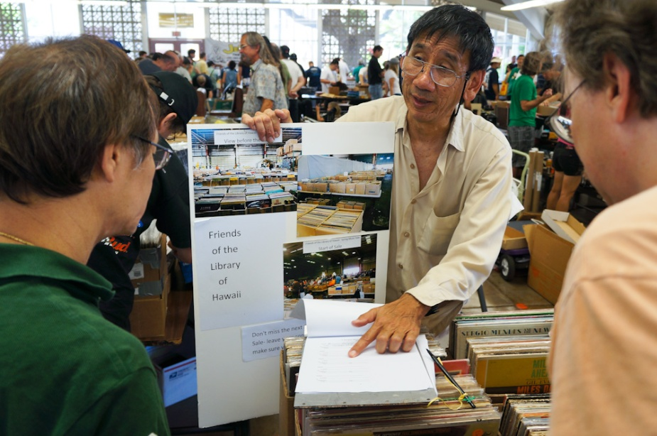 Dennis Chun signs people up for the FLH Music Sale newsletter.