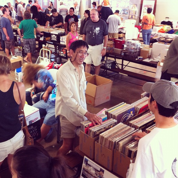 The Hawaii Record Fair in full bloom.