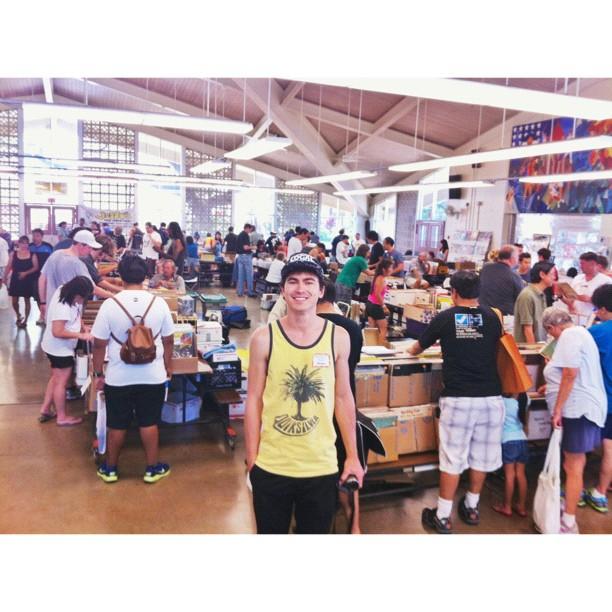Me (Roger Bong) at the Hawaii Record Fair
